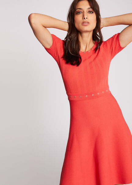 Robe pull evasee a oeillets rouge femme
